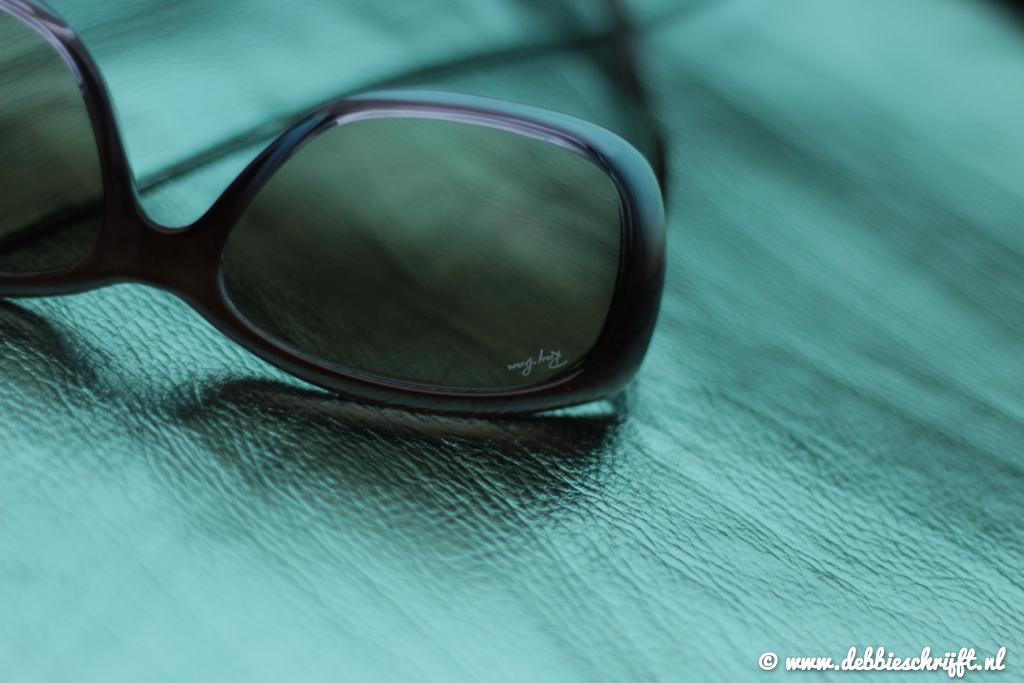 zonnebrillen_op de kop